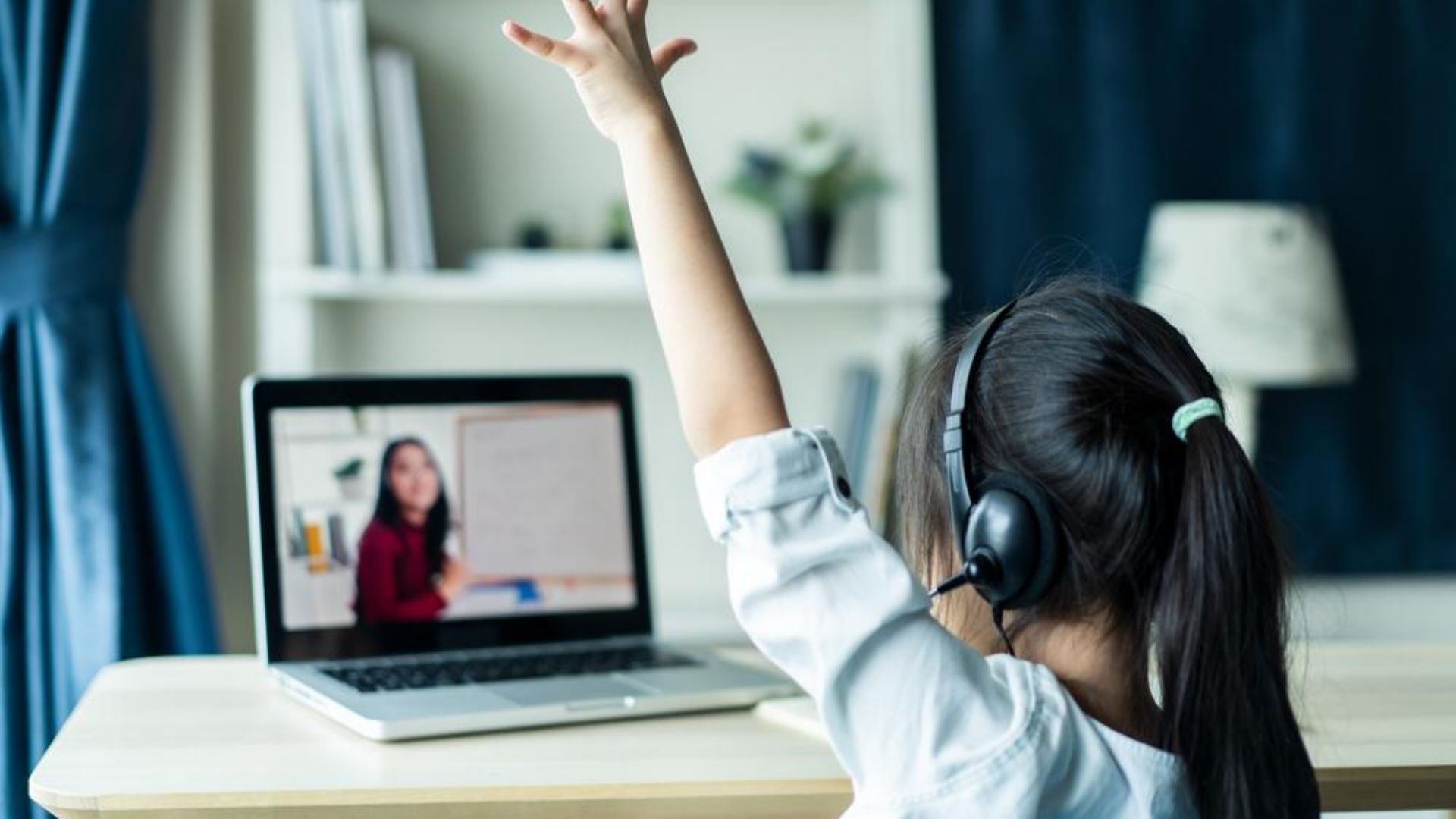 children's ergonomics tips for setting up a workstation for remote learning